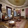 Interieur, bel-etage, achterzijde (Achterzaal), interieur, Zaal met neoclassicistische wandafwerking en stucplafond beschilderd met in art-nouveau stijl geschilderde dierenriem - Amsterdam - 20394028 - RCE.jpg