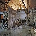 Interieur, overzicht, tijdens werkzaamheden - Leerbroek - 20339345 - RCE.jpg