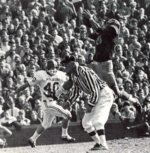 Jim Mandich - Mandich leaps for the ball in 1967 Michigan State game.