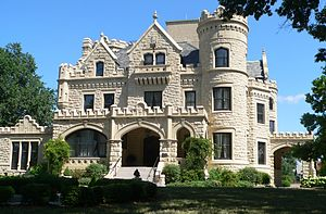 Gold Coast Historic District (Omaha, Nebraska) - Joslyn Castle, a landmark in Omaha's Gold Coast.