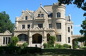Gold Coast Historic District (Omaha, Nebraska) - Joslyn Castle, a landmark in Omaha's Gold Coast.