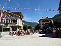 Jour de fete a bourg st maurice - panoramio (1).jpg