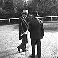 Káposztásmegyeri lóversenypálya, jártató. Herceg Festetics György és Issekutz Gyula tréner. Fortepan 19820.jpg
