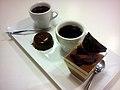 Kaffe og chokoladedesserter (6795698872).jpg