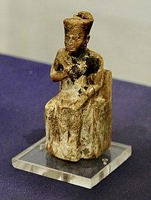 Het standbeeld van Khufu in het Cairo Museum