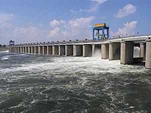 Kakhovka Hydroelectric Power Plant - The dam's spillway