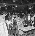 Koningin Juliana en prins Bernhard, Bestanddeelnr 915-2811.jpg