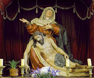 Pietà (Gregorio Fernández) - Image: La Bañeza Iglesia de Santa Maria 07