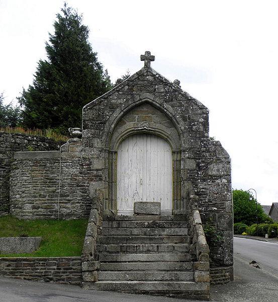 Poratil gothique du manoir de La Dorée (53)