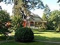 Lakóépület, kert. -Gödöllő, Fenyvesi főút 8.JPG