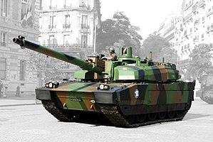 AMX Leclerc - Demonstration of a Leclerc tank in Paris, on Bastille Day, July 14 in 2006