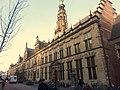Leiden - Breestraat 92 en 102 - stadhuis met pomp.JPG