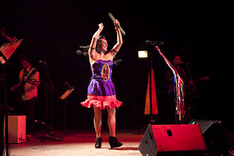 """Lila Downs - Lila Downs in México City, at the presentation of """"Balas y Chocolate"""" in 2015"""