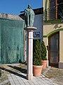 Luxemburgi Zsigmond király szobra (Gáspár Péter, 2003) - Szlovákia, Révkomárom.jpg