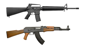 English: Comparison of the M16 and AK-47 assau...