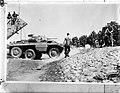 M8 Greyhound pantserwagen van de Mariniersbrigade bij landingsvaartuig, Bestanddeelnr 902-8576.jpg