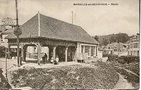 MARSEILLE EN BEAUVAISIS - Mairie.jpg