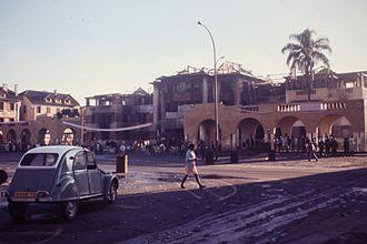 Rotaka - Protesters in Antananarivo burned the Hotel de Ville city hall in 1972.