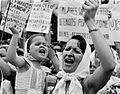 Madre e hija de Plaza de Mayo.jpg