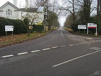 Newland Park, Chalfont St Peter - Image: Main entrance to Bucks new University geograph.org.uk 1065338