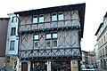 Maison pans bois 19 place St Philibert rue Moulins Charlieu 1.jpg
