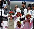 Manmohan Singh being received by the Governor of Maharashtra, Shri K. Sankaranarayanan, on his arrival, at Mumbai airport on May 24, 2013. The Chief Minister of Maharashtra, Shri Prithviraj Chavan is also seen.jpg