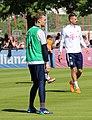 Manuel Neuer Training 2018-05-08 FC Bayern Muenchen-2.jpg