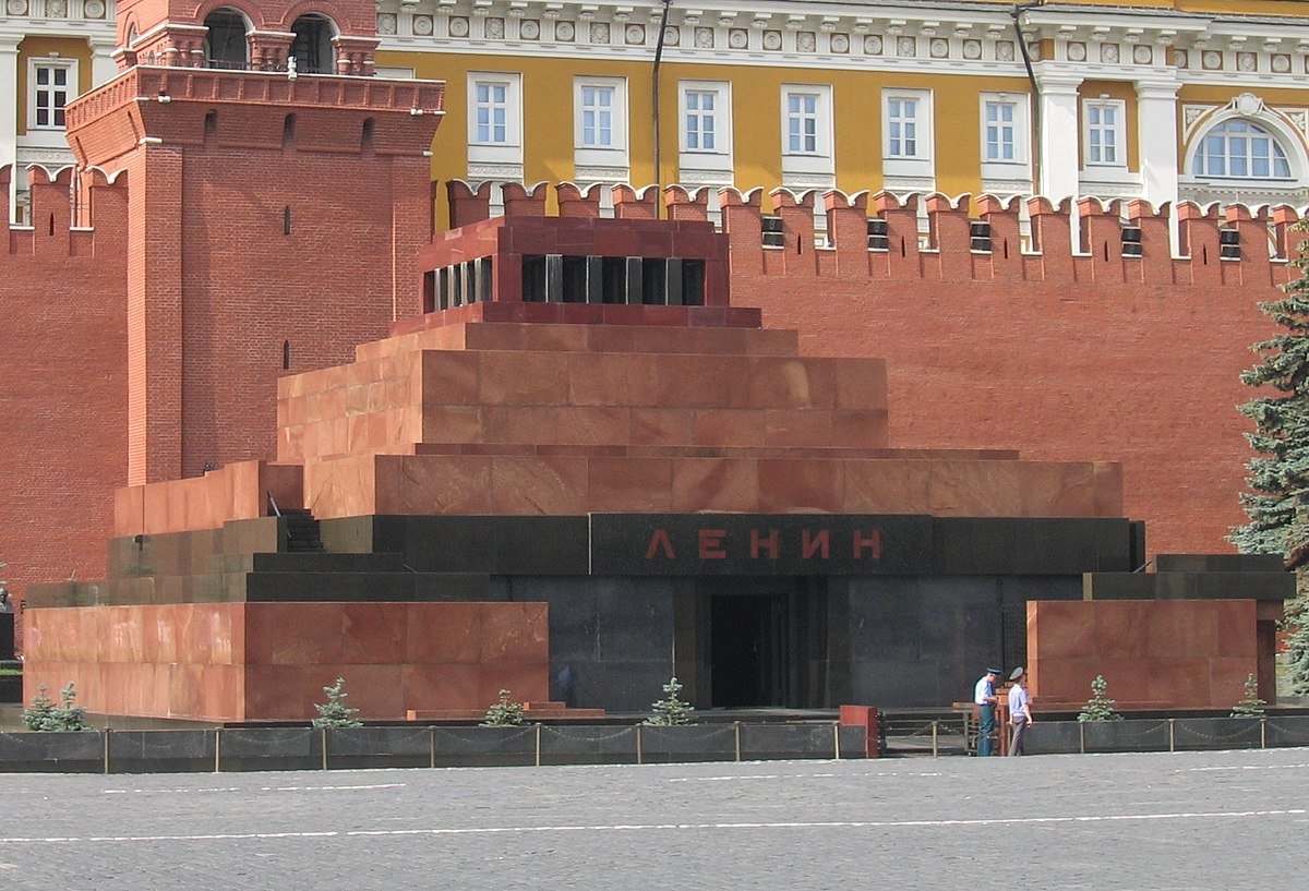 Why Lenin is not buried so far 68