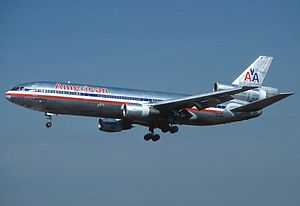 McDonnell Douglas DC-10-10, American Airlines AN1021178.jpg