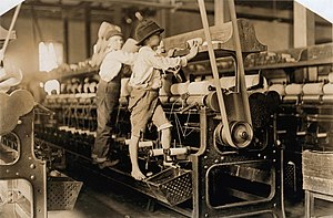 Macon, Georgia - Child labor in Macon, 1909. Photo by Lewis Hine.