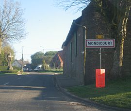 Entrance to the commune