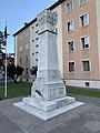 Monument aux morts d'Embrun en juillet 2019 (1).jpg
