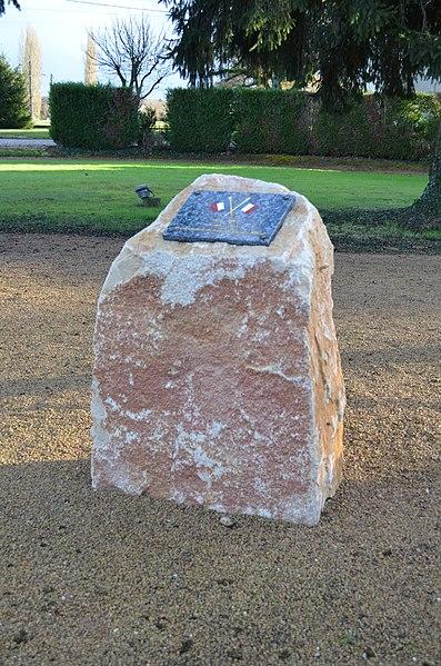 Monument du cessez-le-feu de la guerre d'Algérie de Saint-Trivier-sur-Moignans.