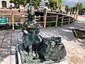 Monument voor Betje en Roosje Cohen.jpg