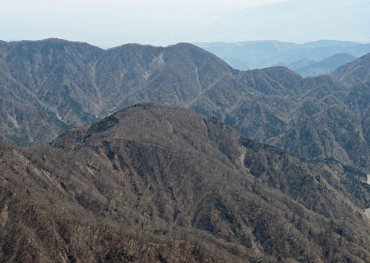 Mt.Nabewari from Mt.Hirugatake.JPG