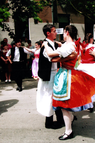 File:National costume and dance Csárdás.jpg