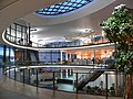 Neckarsulm-AudiForum-Innen-SW.JPG
