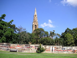 """Camperdown Cemetery - Camperdown Cemetery is an """"oasis"""" in a densely built-up area."""