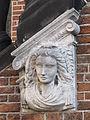 Nijmegen - Waaggebouw - Kariatiden van Henri Leeuw sr 2.jpg