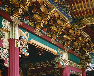 Rinnō-ji - Lavish ornamentation on a building at the Taiyū-in