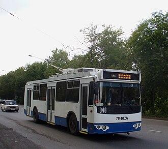 Novokuznetsk - Image: Novokuznetsk trolleybus 046