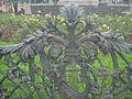 Ogrodzenie pomnika Adama Mickiewicza3.JPG