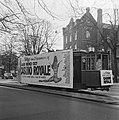 Opdracht Columbia, tram met reclame voor Casino Royale, Bestanddeelnr 920-9383.jpg