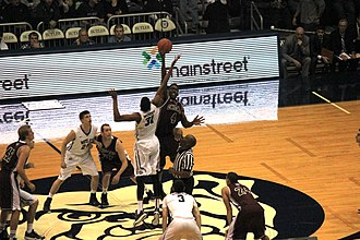 2014–15 Butler Bulldogs men's basketball team - The opening tip off of the exhibition game between Butler and Chicago.