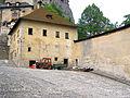 Oravsky hrad budova fary.JPG