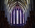 Orléans Cathédrale Sainte-Croix Innen Chorfenster 2.jpg