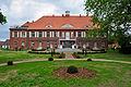 Pütnitz, Gutshaus (2013-06-15), by Klugschnacker in Wikipedia (4).JPG