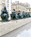 P1020793 Paris VI Esplanade du musée d'Orsay Statues des 6 continents rwk.JPG