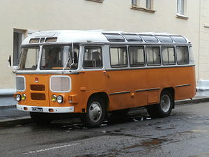 Pavlovo Bus Factory - Image: PAZ 672 at Bronevoy Pereulok 12 in Minsk 24 August 2014