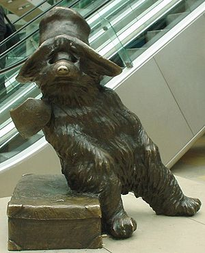 Paddington Bear - Bronze statue of Paddington Bear, by sculptor Marcus Cornish, at Paddington Station